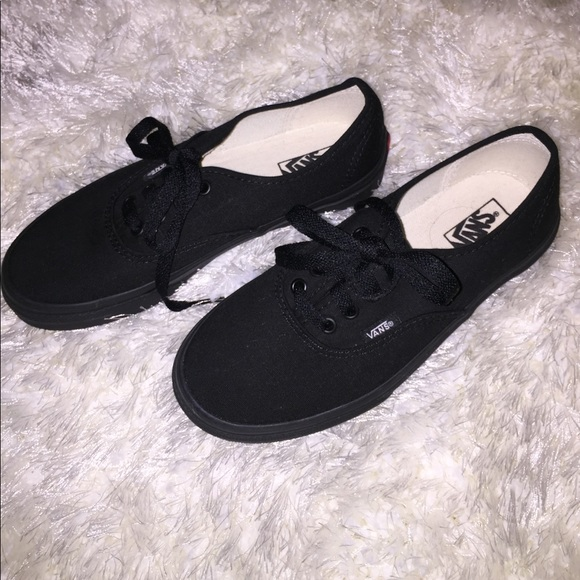 All Black Vans - NWOT kids 3.5. M 5aa4608605f430a4791953bf 377e7b6bb